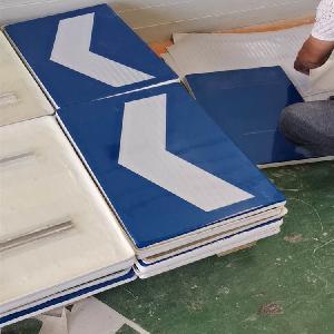 玻璃鋼公路誘導標 曲線路段誘導標 玻璃鋼標志板生產廠家