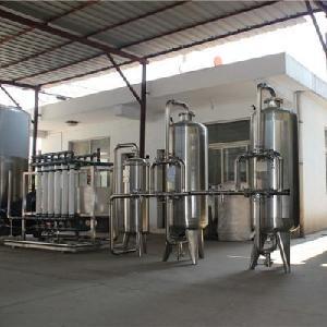 矿泉水水处理生产线裁切